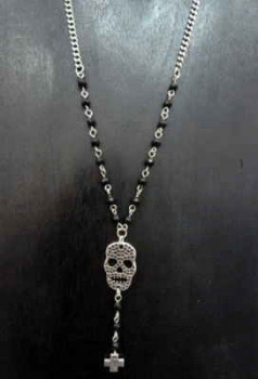 Halskette Totenkopf Anhänger