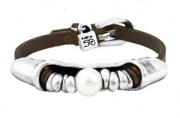 P1693 - Leather Wristband with Beads