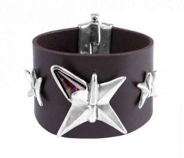 Eye Catching Leather Star Wristband